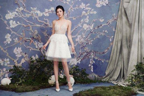 """""""Bạn gái Noo Phước Thịnh"""" diện váy mỏng tang đẹp như nàng thơ - hình ảnh 8"""