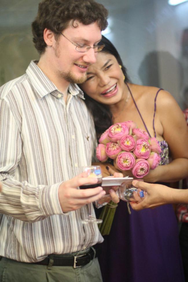 Đọ tình – tiền – tài của 3 mỹ nhân chuyển giới hot nhất showbiz Việt - hình ảnh 6