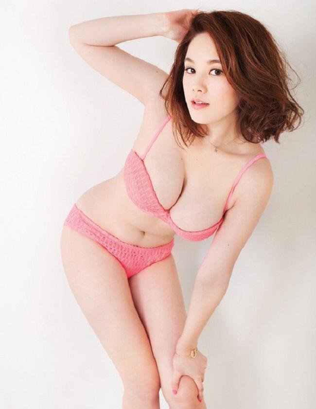 """Dàn mẫu Nhật mũm mĩm, """"phồn thực"""", hấp dẫn mọi ánh nhìn - hình ảnh 17"""