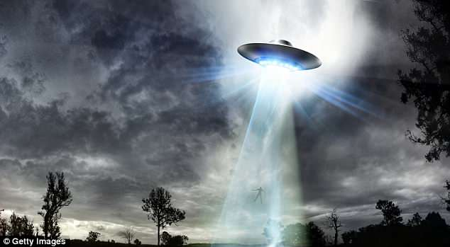 Nửa thế kỷ Anh tìm bắt UFO chế tạo siêu vũ khí vượt Nga, TQ - 1