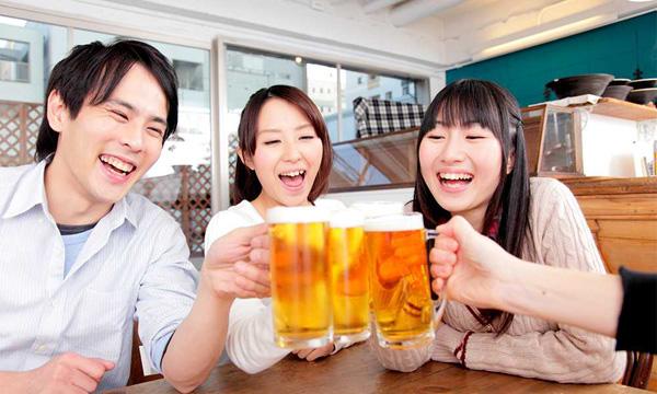 """Bí quyết uống rượu bia """"không lo"""" rối loạn tiêu hóa của người Nhật - 1"""