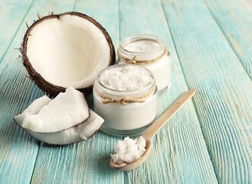 Sai lầm khi dùng dầu dừa dưỡng da và kem đánh răng trị mụn - 2