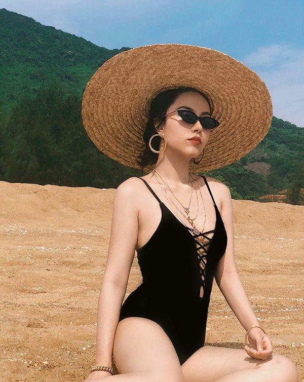 Đi biển đẹp như người mẫu Sài Gòn Hà Trúc - 1