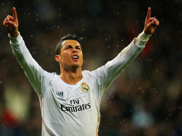 """Thất bại ở World Cup nhưng ai cũng phải """"nể"""" độ giàu có của Cristiano Ronaldo"""