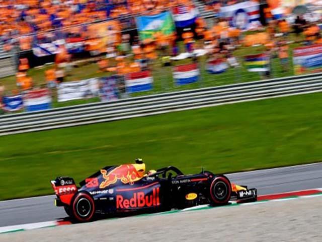 """Đua xe F1: """"Nhà vua"""" gục ngã, niềm vui chia đều cho phần còn lại"""
