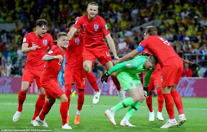 Anh hạ Colombia, vào tứ kết World Cup sau 12 năm: Triệu fan ngây ngất, vỡ òa - 1