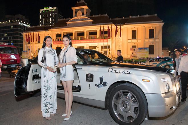 Hoa hậu Kỳ Duyên, Ngọc Hân tặng sách quý đổi đời ở Nha Trang - 1