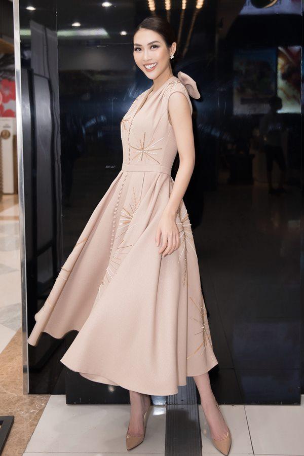 2 hot girl Hà thành bất phân thắng bại trong Top mặc đẹp tuần - hình ảnh 5