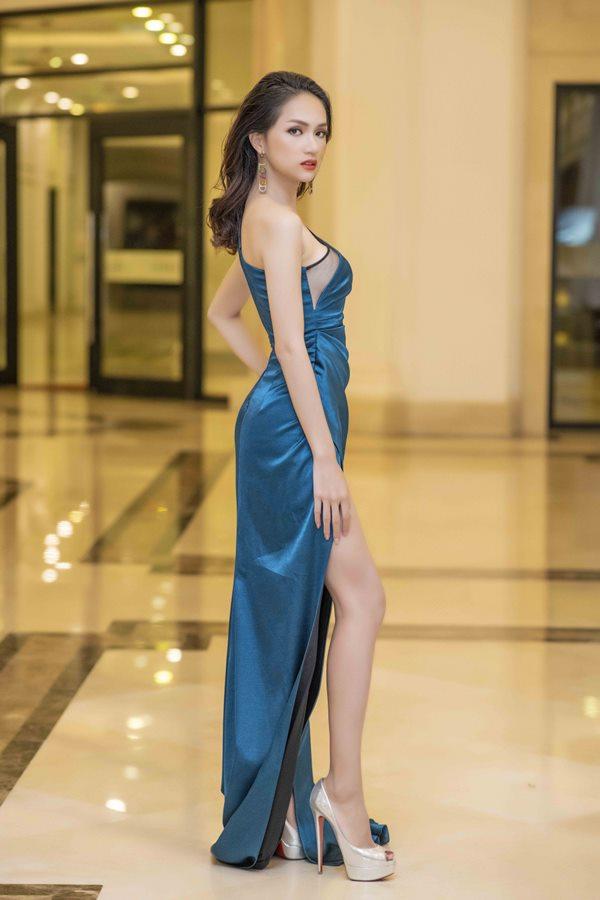 2 hot girl Hà thành bất phân thắng bại trong Top mặc đẹp tuần - hình ảnh 8