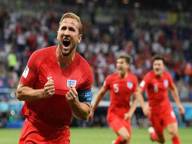 """Tứ kết World Cup: Harry Kane """"ăn đứt"""" Rooney & Sứ mệnh Bobby Moore 52 năm"""