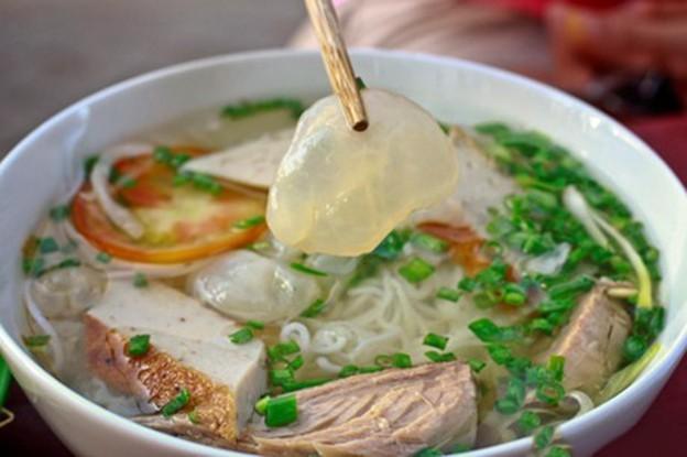 Bún cá sứa và lươn đùm bọc mỡ chài nổi tiếng ở Nha Trang - 1