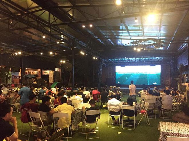 Muôn kiểu theo dõi World Cup của giới trẻ Việt - 1