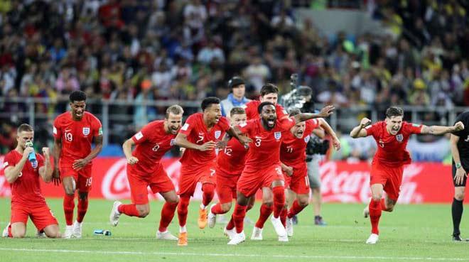"""ĐT Anh thăng hoa World Cup: Dàn WAG vào tận khách sạn """"thưởng nóng"""" - 1"""