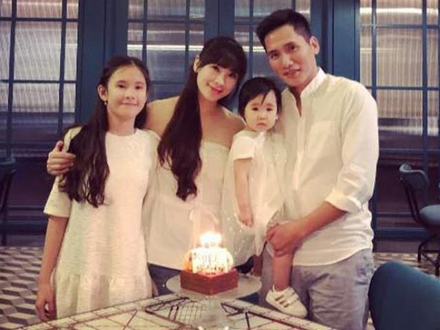 Gia đình vợ đẹp con xinh ít ai biết của BTV thể thao Quốc Khánh