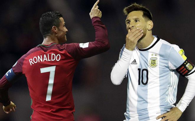 Ronaldo bỏ Real làm ông trùm Juventus: Messi yếu bóng vía núp bóng Barca - 1