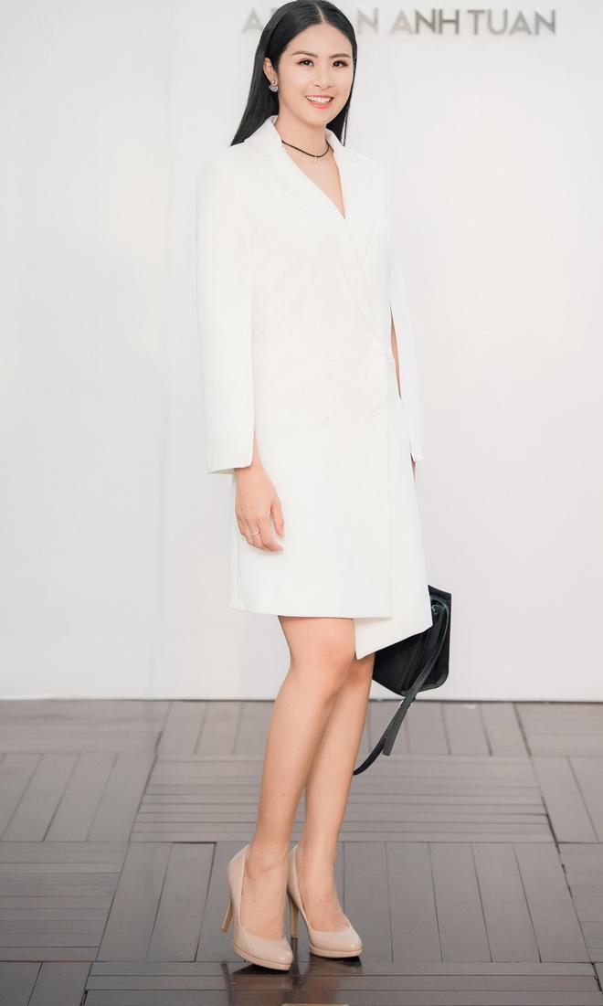 Á hậu Huyền My lấp ló ngực đầy trong làn váy trắng mỏng manh - hình ảnh 9