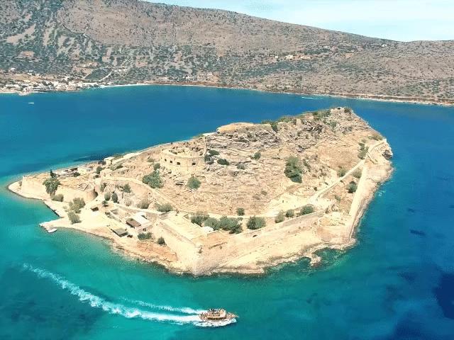 Bí mật rùng rợn trên đảo hoang hút khách bậc nhất Hy Lạp