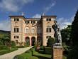 """Biệt thự hơn 300 năm tuổi gây """"choáng"""" với kiến trúc thách thức thời..."""