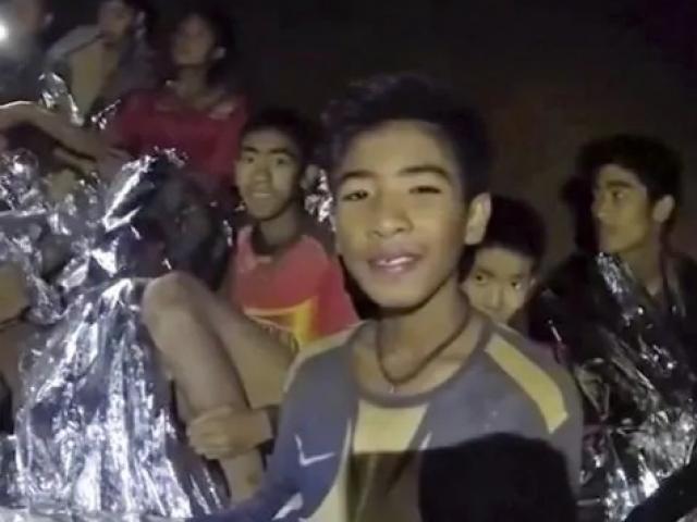 Giải cứu đội bóng Thái Lan: Vì sao người được đưa ra không như dự kiến?