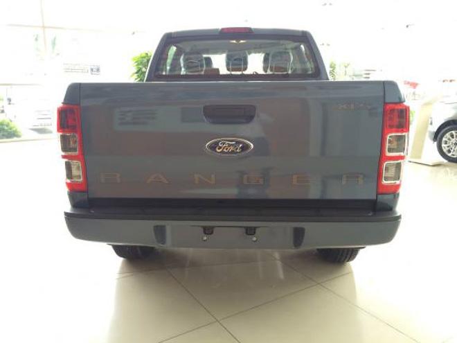 So sánh Ford Ranger 2.2 XLS và Chevrolet Colorado 2.5 VGT : Phiên bản một cầu số tự động giá rẻ - 13