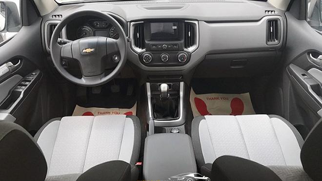 So sánh Ford Ranger 2.2 XLS và Chevrolet Colorado 2.5 VGT : Phiên bản một cầu số tự động giá rẻ - 10