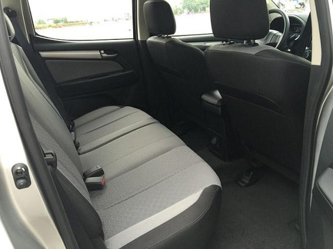 So sánh Ford Ranger 2.2 XLS và Chevrolet Colorado 2.5 VGT : Phiên bản một cầu số tự động giá rẻ - 12