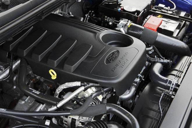 So sánh Ford Ranger 2.2 XLS và Chevrolet Colorado 2.5 VGT : Phiên bản một cầu số tự động giá rẻ - 2