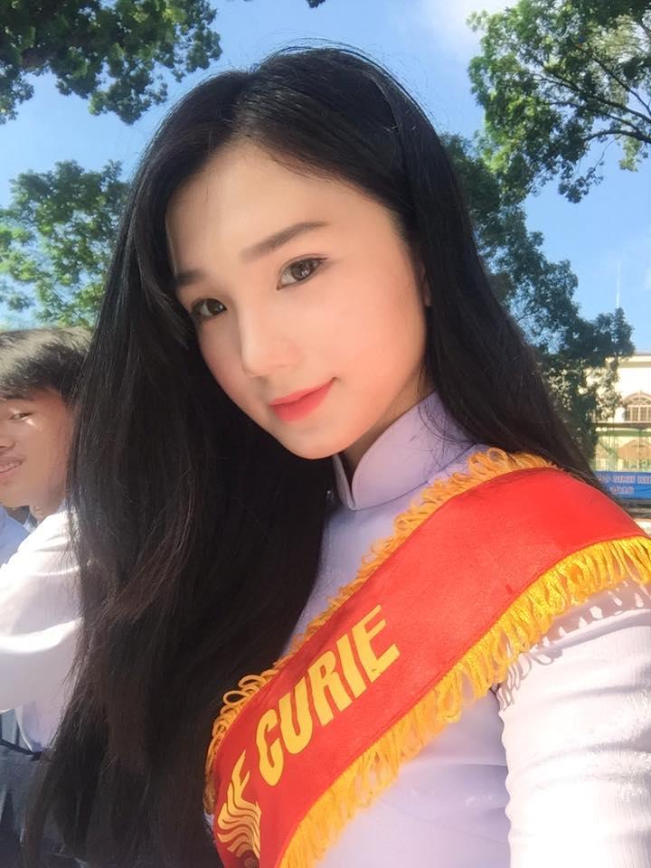 5 nữ sinh 2000 cực xinh thi Hoa hậu VN: Ai trượt tốt nghiệp THPT thì loại - 1