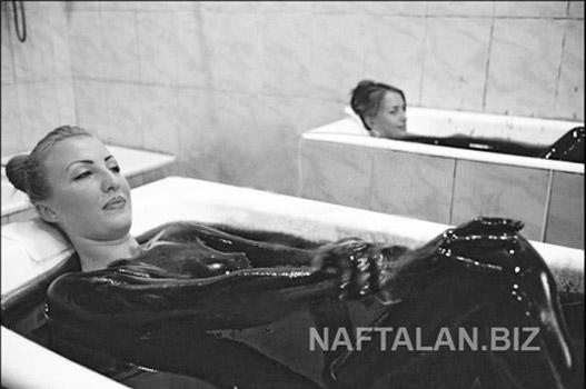 Tắm trong dầu thô để làm đẹp và trị bệnh - 1