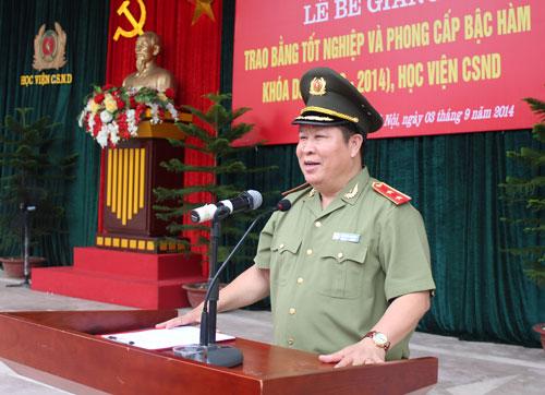 Trung tướng Bùi Văn Thành vẫn làm việc của Thứ trưởng bình thường - 1