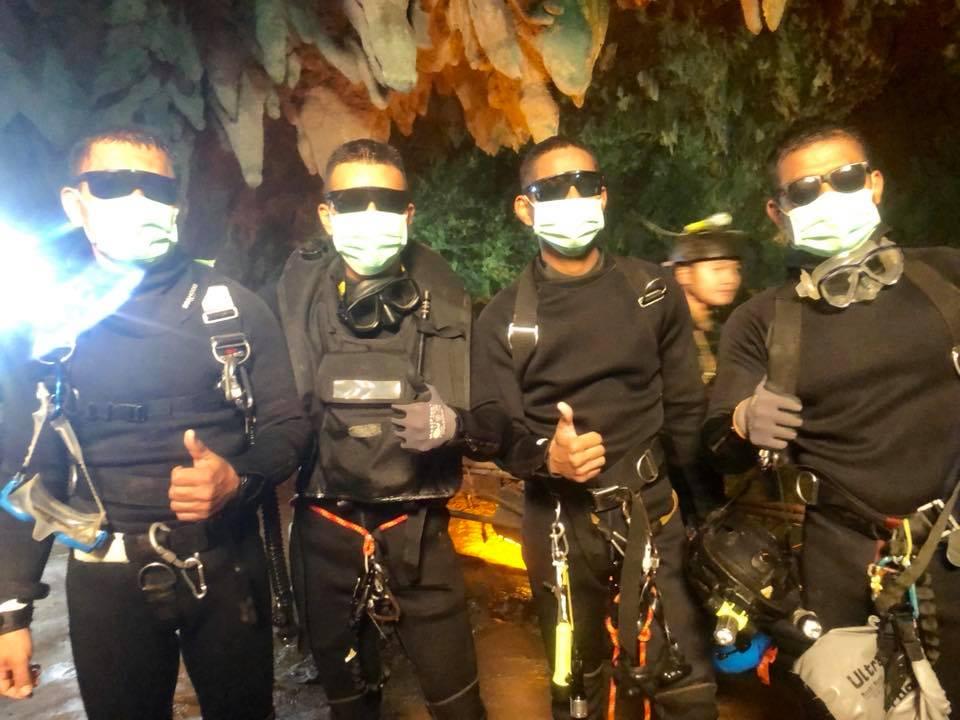 Lộ diện 4 đặc nhiệm SEAL Thái Lan ở bên các cậu bé đến cuối cùng - 1
