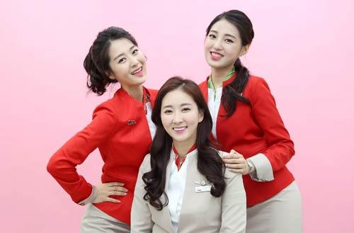 Nữ tiếp viên hàng không Hàn Quốc phải chịu những áp lực gì? - 5