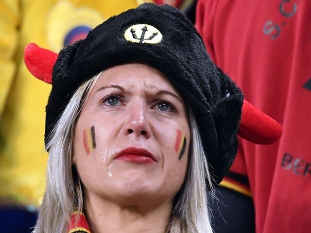 """Ấn tượng World Cup 11/7: Lukaku hóa """"chân gỗ"""", mỹ nữ cạn lệ khóc tuyển Bỉ"""
