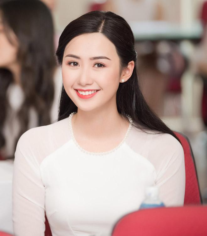 Tiếp viên hàng không, biên tập viên VTV đẹp nổi bật tại Hoa hậu Việt Nam - 1
