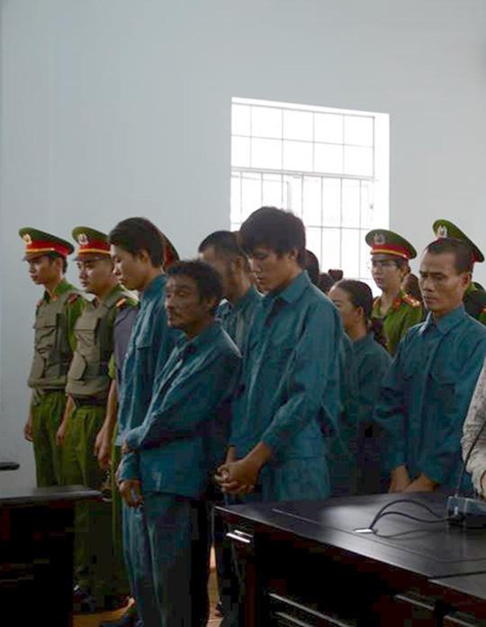 Bảy người quá khích trong vụ gây rối ở Bình Thuận bị phạt tù - 1
