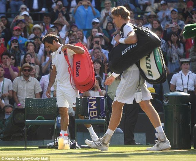 """Không tưởng Wimbledon: Federer bị """"ngược đãi"""", triệu fan phẫn nộ - 1"""