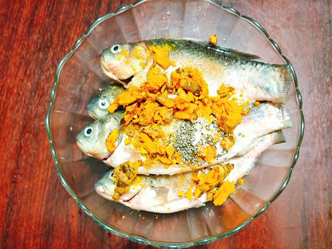 Vét sạch nồi cơm với cá kho nghệ thơm nức mũi - 5