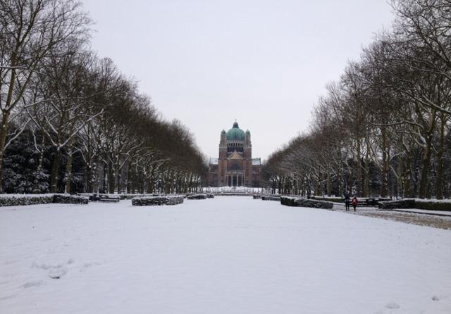 Bỉ: Quốc gia siêu giàu, quét dọn vệ sinh cũng kiếm hơn 50 triệu/tháng - 1