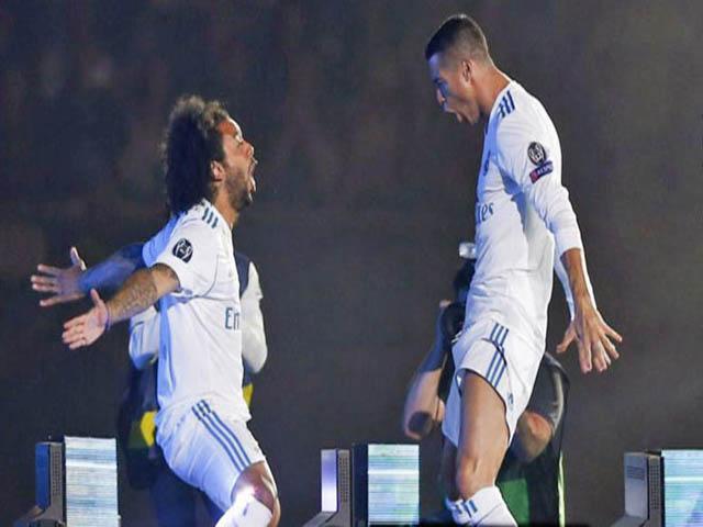 """Siêu """"bom tấn"""" Ronaldo: Vừa rời Real đã phản bội, xây dựng vây cánh VUA Juventus"""
