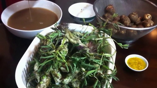 Canh cua khoai sọ rau rút đậm đà hương vị mùa hè - 1