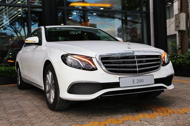 Mercedes E200 2018 bản nâng cấp lộ diện tại Việt Nam: Giá từ 2,099 tỷ đồng - 2