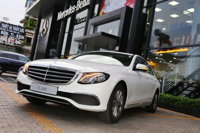 Mercedes E200 2018 bản nâng cấp lộ diện tại Việt Nam: Giá từ 2,099 tỷ đồng - 11