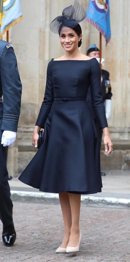 Làm dâu hoàng gia mới 2 tháng, Meghan Markle đã chi gần 5 tỷ mua váy áo - 4