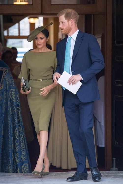 Làm dâu hoàng gia mới 2 tháng, Meghan Markle đã chi gần 5 tỷ mua váy áo - 5