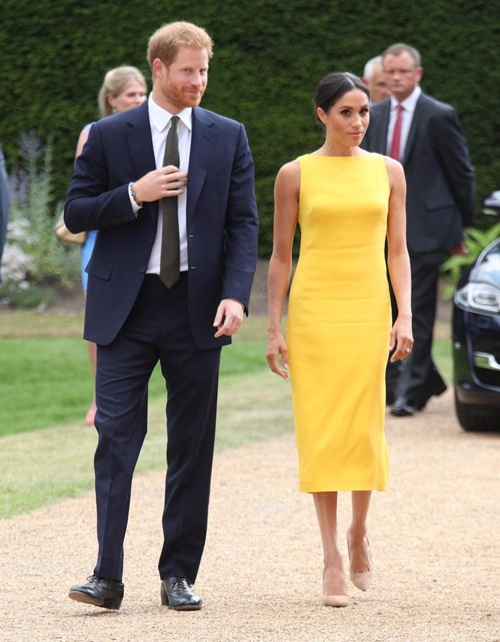 Làm dâu hoàng gia mới 2 tháng, Meghan Markle đã chi gần 5 tỷ mua váy áo - 8