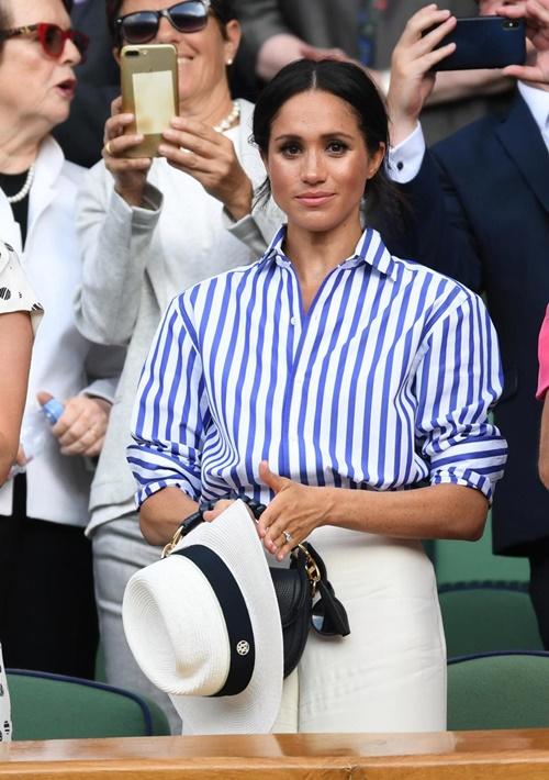 Làm dâu hoàng gia mới 2 tháng, Meghan Markle đã chi gần 5 tỷ mua váy áo - 15
