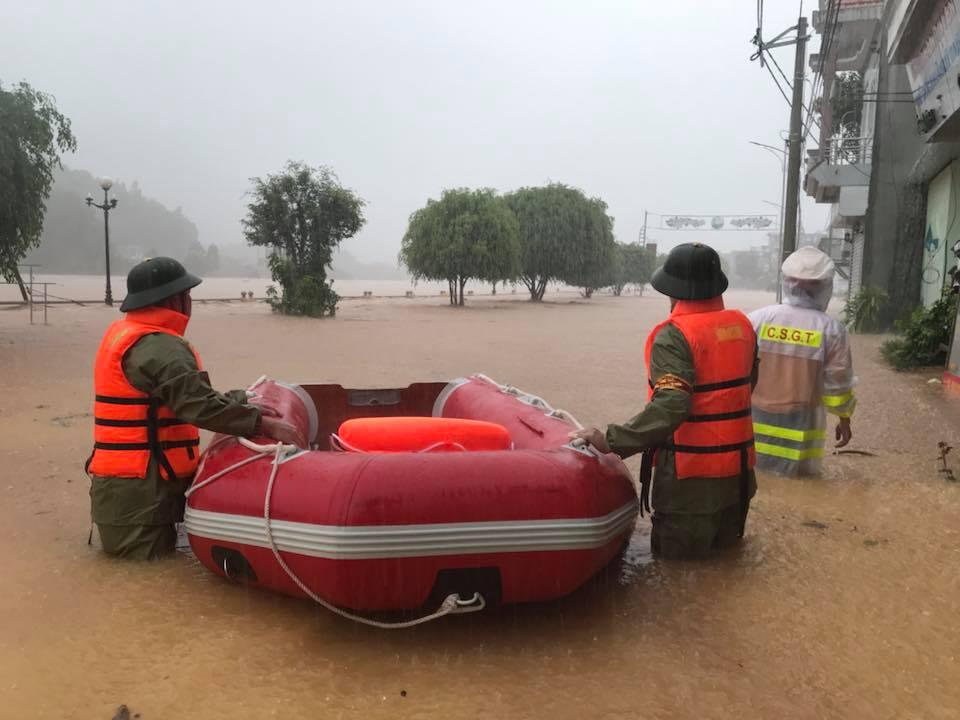 Mưa dồn dập vì bão số 3, lũ dâng cao khắp nơi ở Quảng Ninh - 7