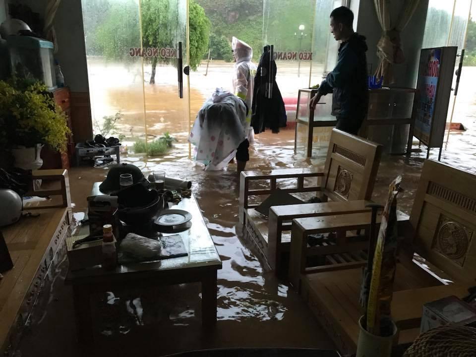 Mưa dồn dập vì bão số 3, lũ dâng cao khắp nơi ở Quảng Ninh - 6