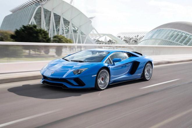 Lamborghini cán mốc 8000 chiếc Aventador và 11000 chiếc Huracan - 4