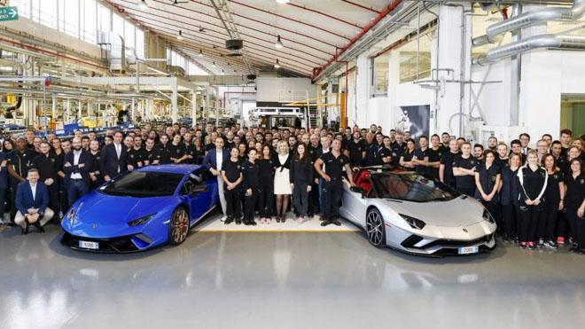 Lamborghini cán mốc 8000 chiếc Aventador và 11000 chiếc Huracan - 2